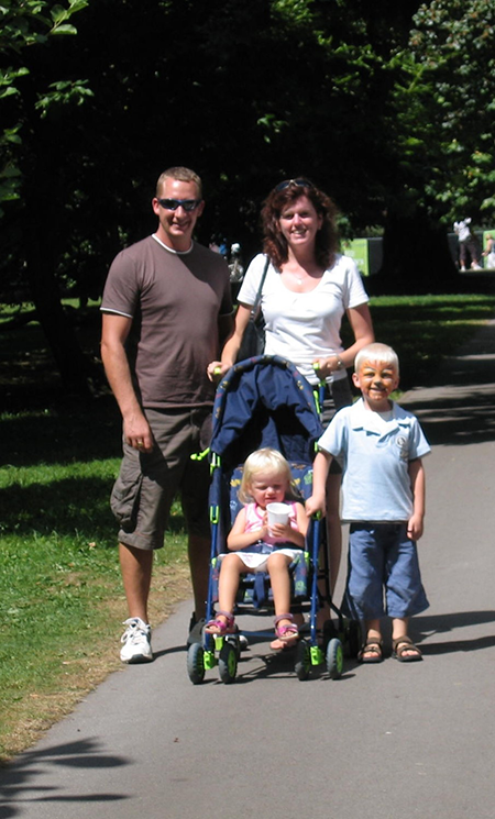 Image shows Eirlys and her husband Andy, and children Evan and Nia who died in a house fire in 2007.