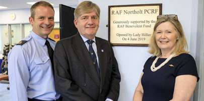 Group Captain Mike Carver, Air Vice Marshal David Murray and Lady Hillier.