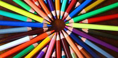 Coloured pencils illustrating Paperchains