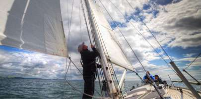 Wounded veterans sailing